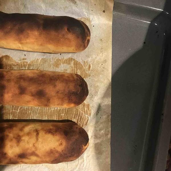 全麦红豆坚果红薯面包卷成品图