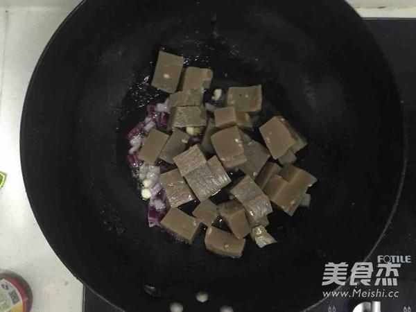 素炒焖子怎么吃