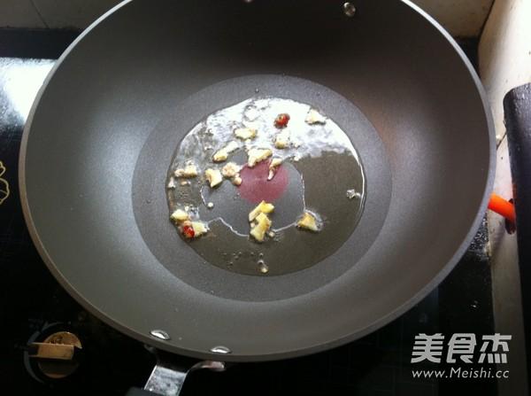 炒河虾的家常做法