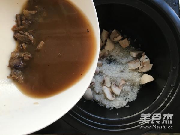 蘑菇牛肉拌饭怎么煮