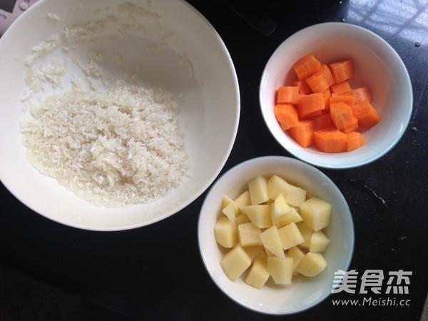 胡萝卜土豆酱油焖饭的做法图解