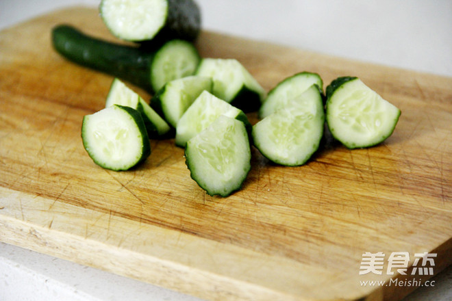 排毒瘦身黄瓜猕猴桃汁的做法图解