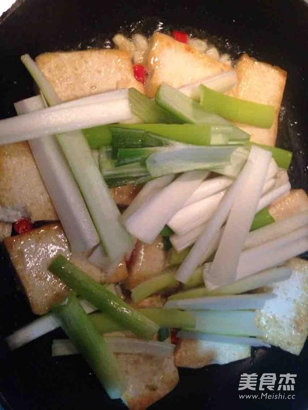 大葱家常豆腐怎么炖