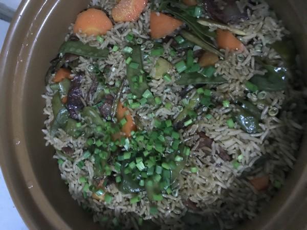 香肠胡萝卜豌豆荚砂锅饭怎样煮