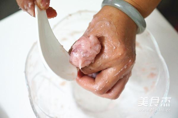 鲮鱼丸丝瓜汤的步骤