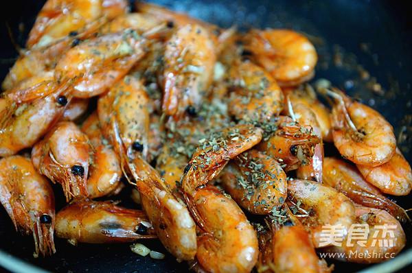 罗勒椒盐北极虾怎么炒