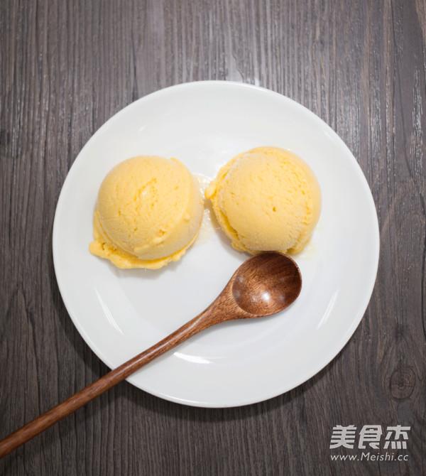 芒果冰淇淋成品图