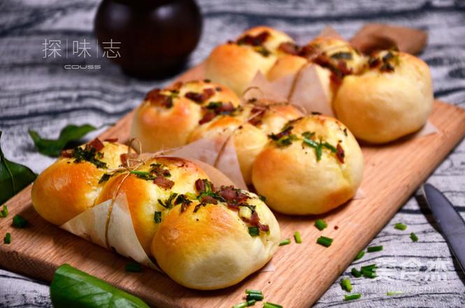 香葱培根面包成品图