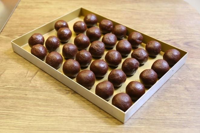 超详细的蛋黄酥制作方子的家常做法
