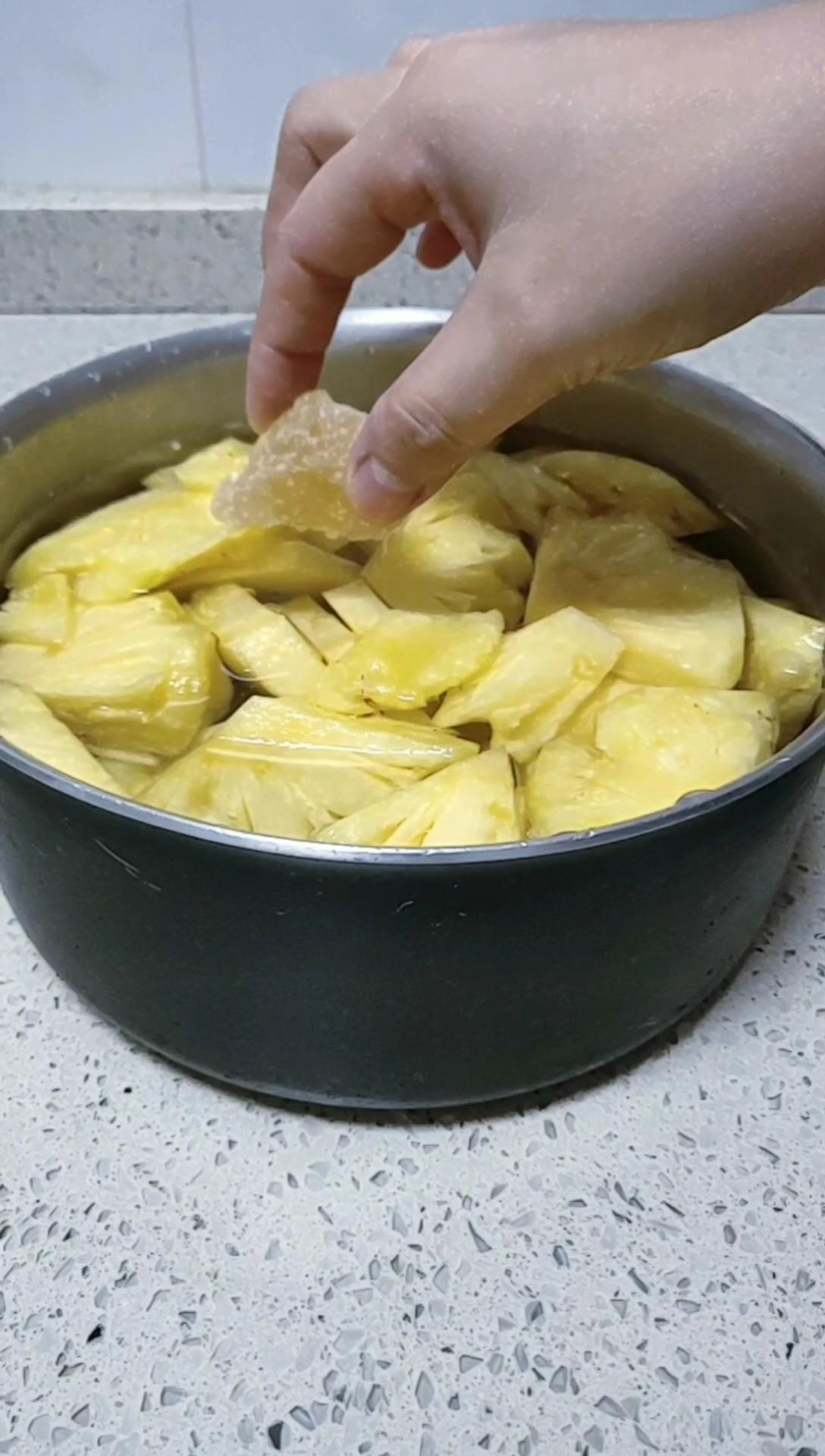 菠萝糖水的家常做法