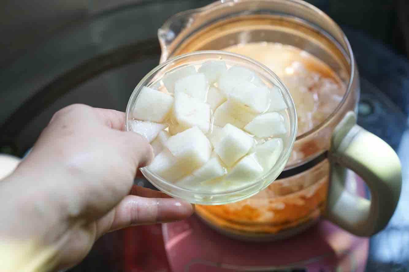 桃胶银耳雪梨汁的简单做法