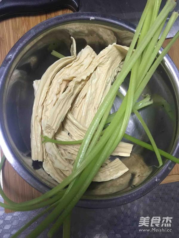 芹菜炝腐竹的做法大全