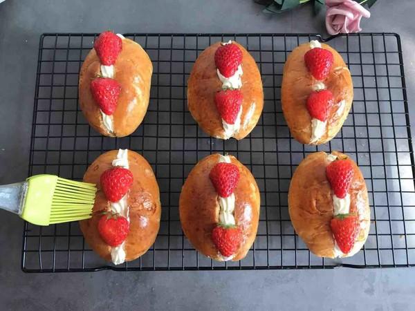 草莓夹心奶油面包怎么煮