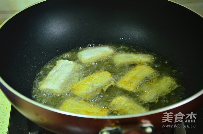 红烧带鱼段怎么吃