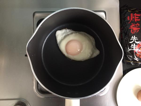 #中卓炸酱面#煎蛋炸酱面的做法大全