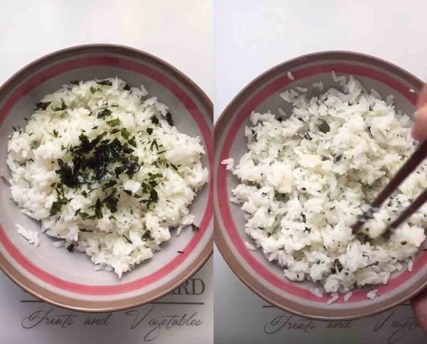 海苔肉松饭团的做法图解