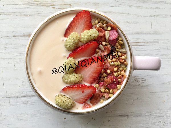 酸奶浆果麦片杯怎么吃