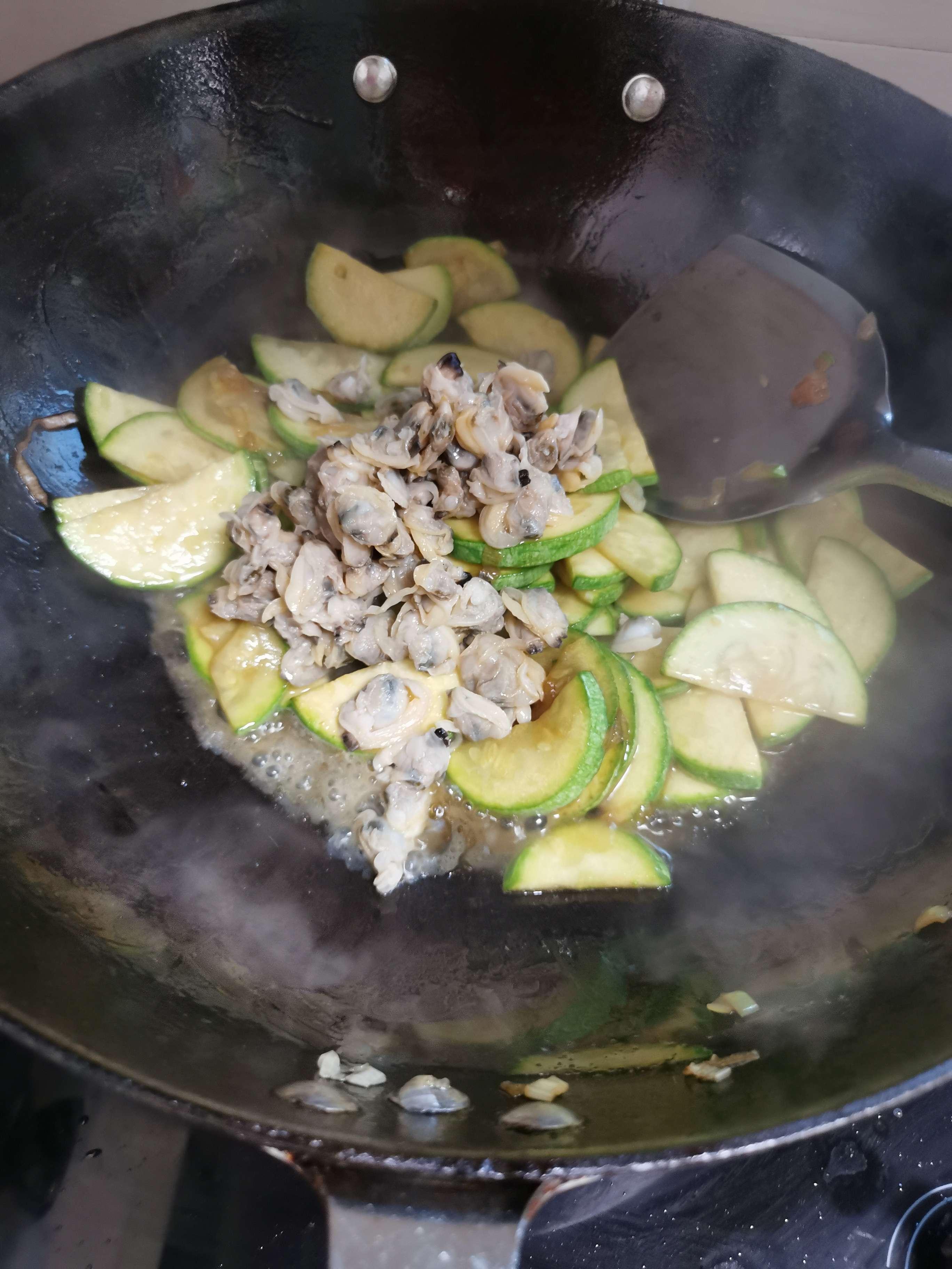 茭瓜炒蛤蜊肉怎么做