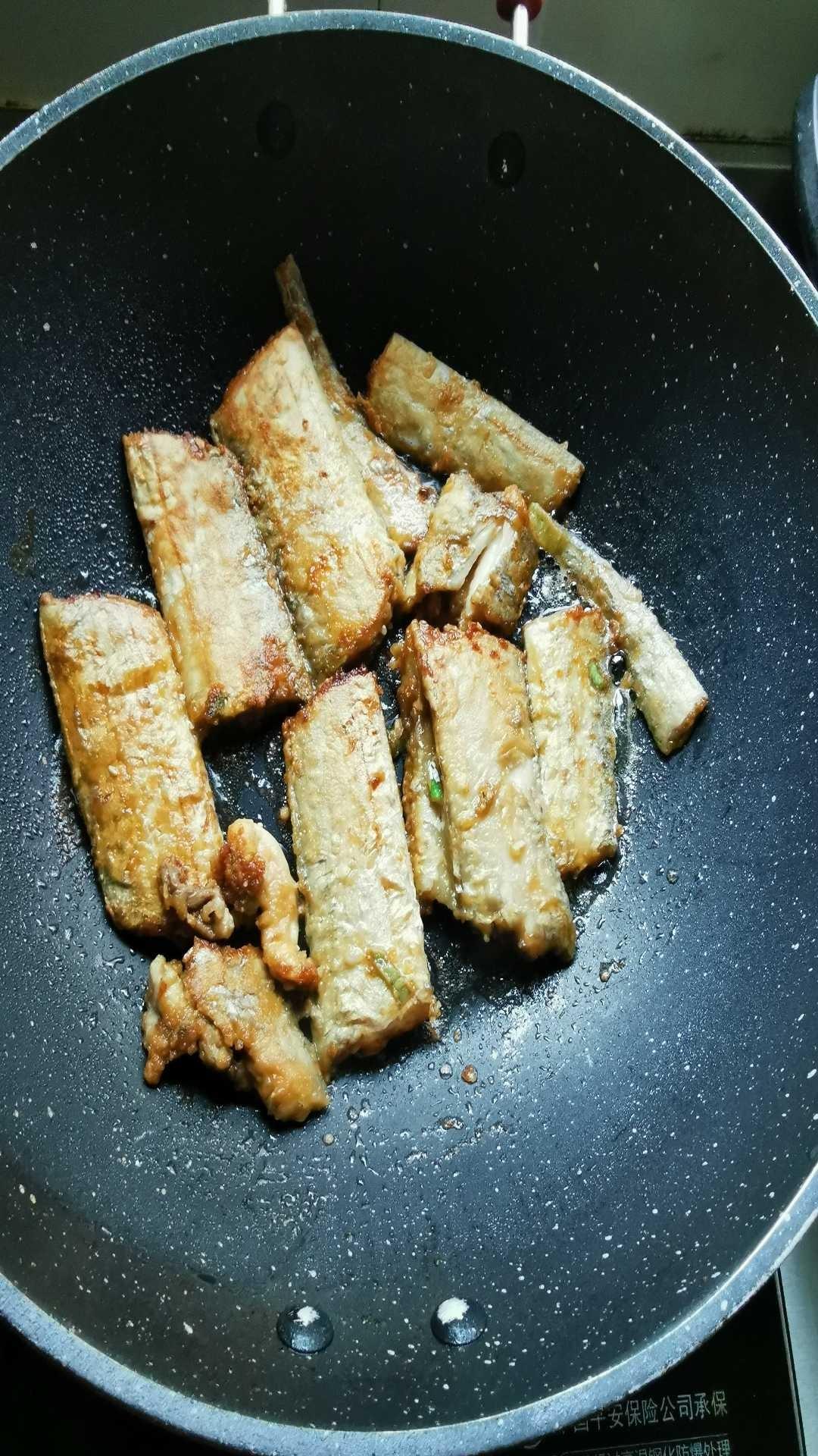 煎带鱼怎么做