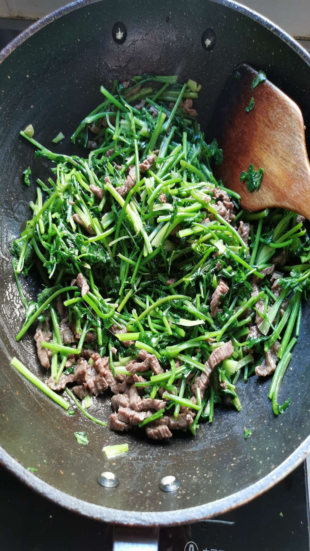 香菜炒牛肉怎么吃