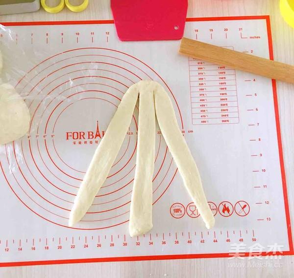 葡萄干奶酥辫子面包怎么做