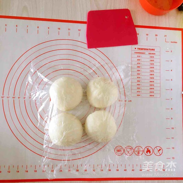 葡萄干奶酥辫子面包的简单做法