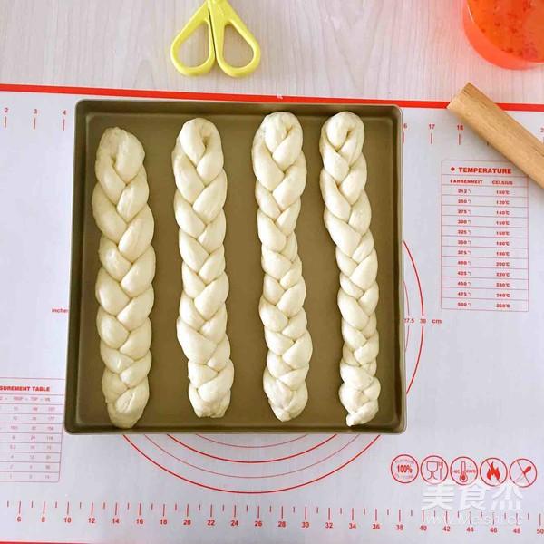 葡萄干奶酥辫子面包怎么炖