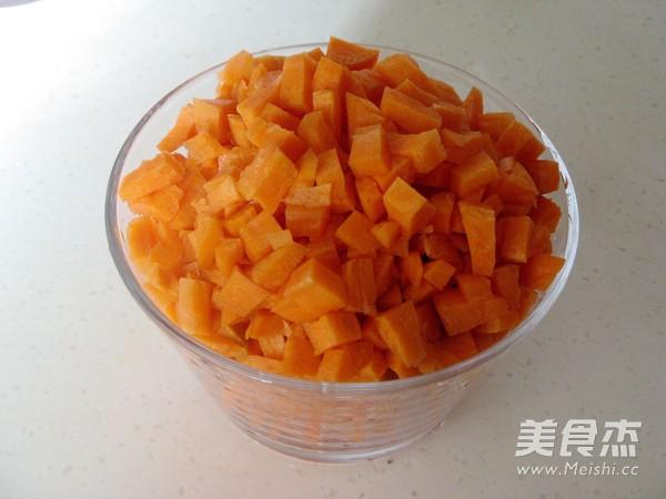 花式蒸饺之胡萝卜汁蒸饺的做法图解