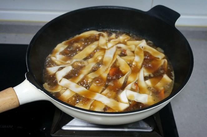 鸡腿土豆抻面怎样炒