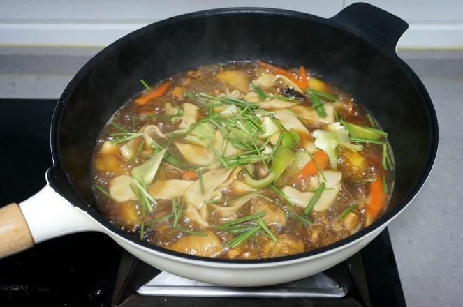鸡腿土豆抻面怎样煮