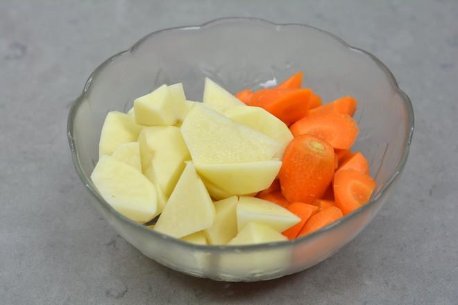 土豆胡萝卜肉骨汤怎么吃