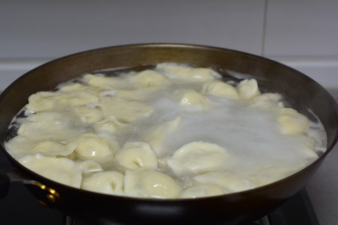 白菜香菇鸡蛋饺怎样炒