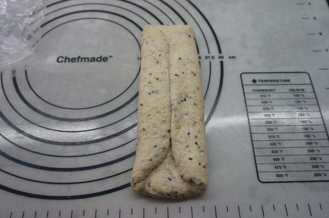 全麦黑芝麻面包怎么煸