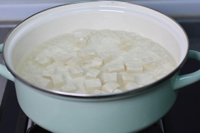 青菜豆腐虾皮汤的家常做法