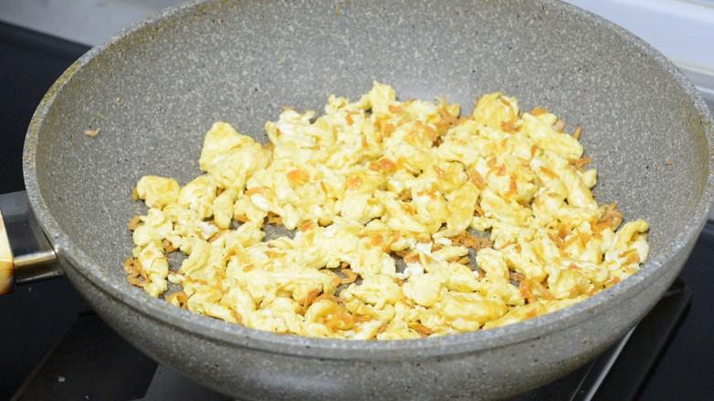 鸡蛋韭菜虾皮盒子的家常做法
