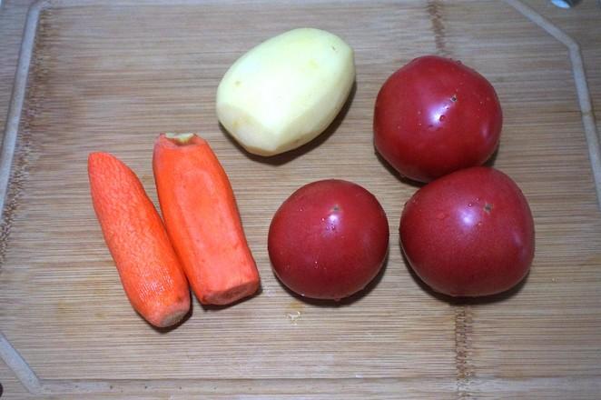 番茄牛腩炖土豆的家常做法