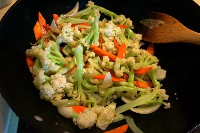 素炒菜花怎么吃