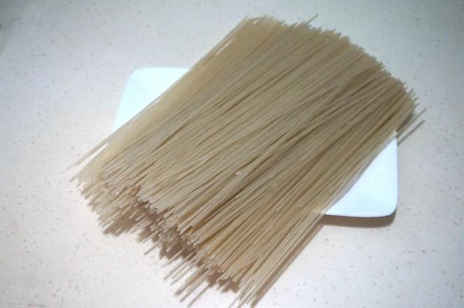 肉丝包菜炒米粉的做法大全