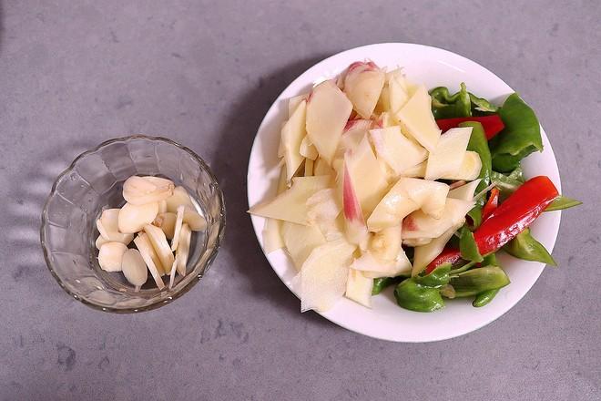 鲜姜炒鸡翅的简单做法