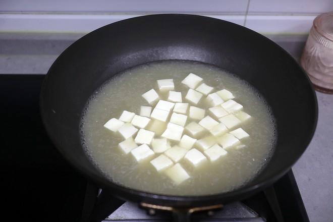 巴沙鱼烩豆腐怎么炒