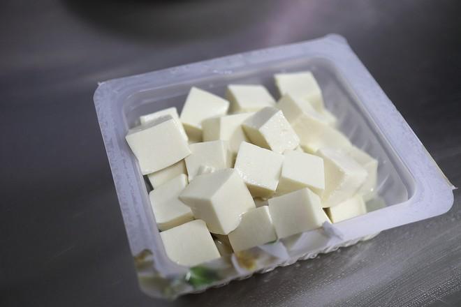巴沙鱼烩豆腐的做法图解