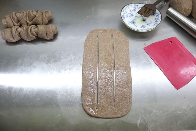 褐麦花卷龙怎么炒