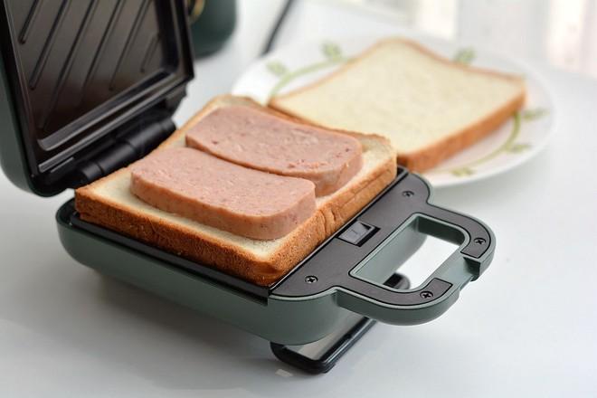 早餐甜咸三明治不重样的做法图解