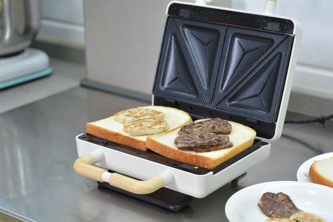 酱牛肉&午餐肉三明治的家常做法