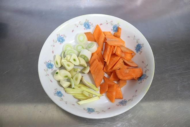 牛肉白菜粉条香锅的简单做法