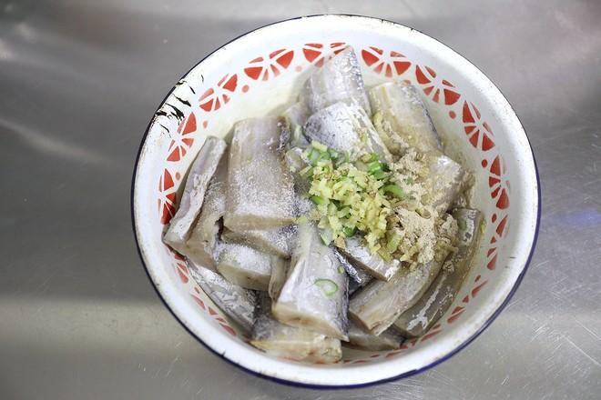 干炸带鱼的做法图解