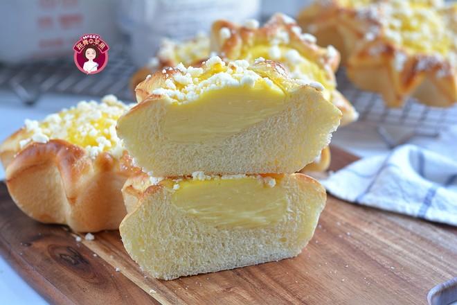 卡仕达酥粒面包成品图