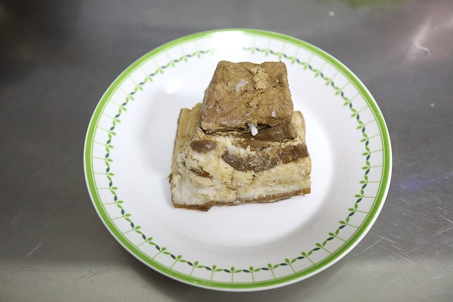 鹿茸菇酱肉包子的简单做法