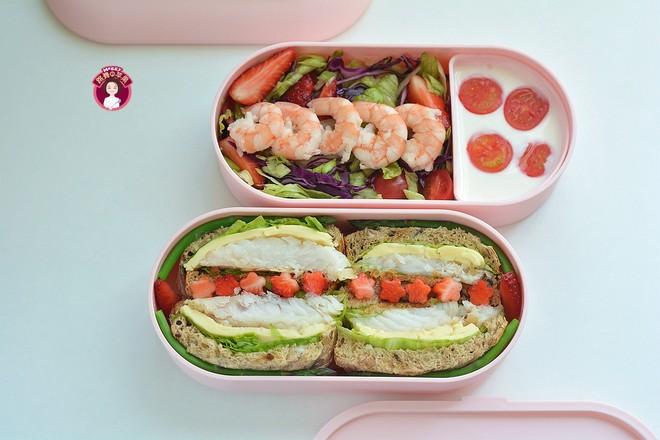 鳕鱼吐司沙拉午餐便当成品图