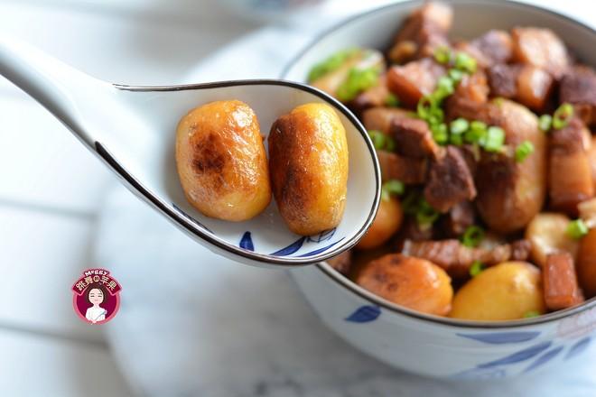 五花肉烧小土豆成品图